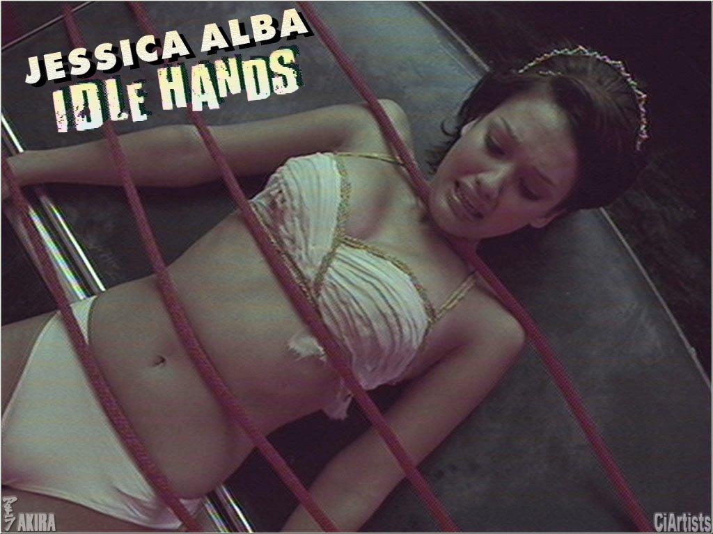 http://4.bp.blogspot.com/-TbsZtBJaYYo/TrAknYAJzSI/AAAAAAAADB0/mqVi4vyY_9o/s1600/Jessica+Alba+Idle+Hands+%25281%2529.JPG