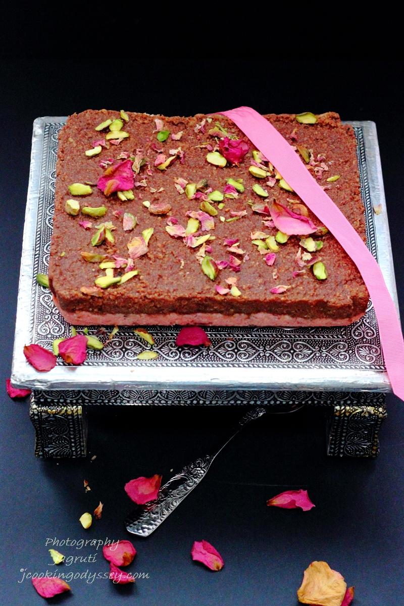 Elaborate Birthday Cakes Using Cookies