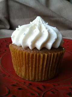apple cupcake with honey mascarpone icing