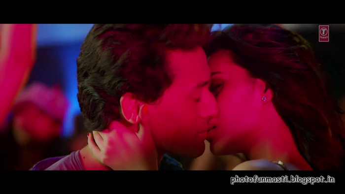 "Kriti sanon - Hot Kissing Photos From ""Heropanti Movie"""
