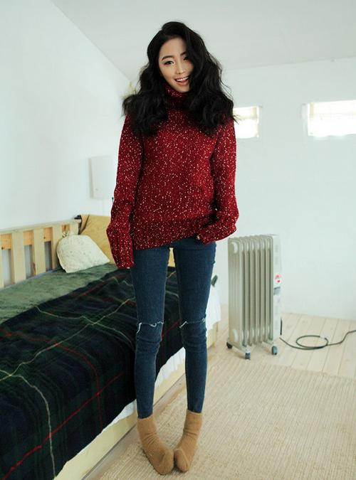 Flecked Turtleneck Knit Shirt by Stylenanda
