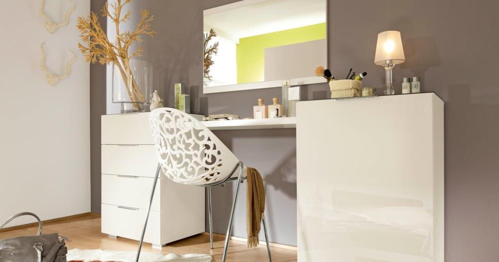 Welt der sitzs cke und sessel wie kann man ein schminktisch frisiertisch einrichten tipps - Wie kann man ein kleines wohnzimmer einrichten ...