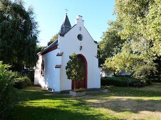 Die Kapelle in Pley (Bild Sommer 2012)