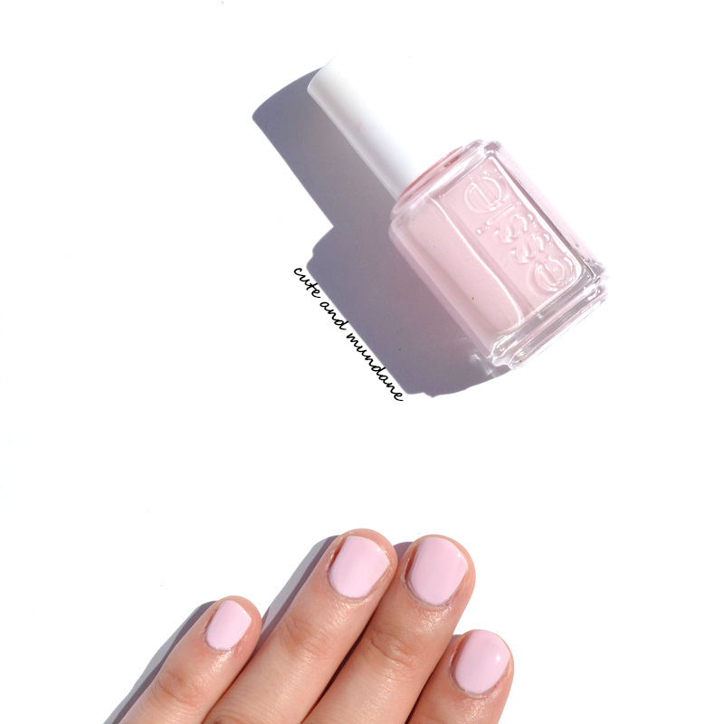 Cute And Mundane: Essie Minimalistic Nail Polish Review