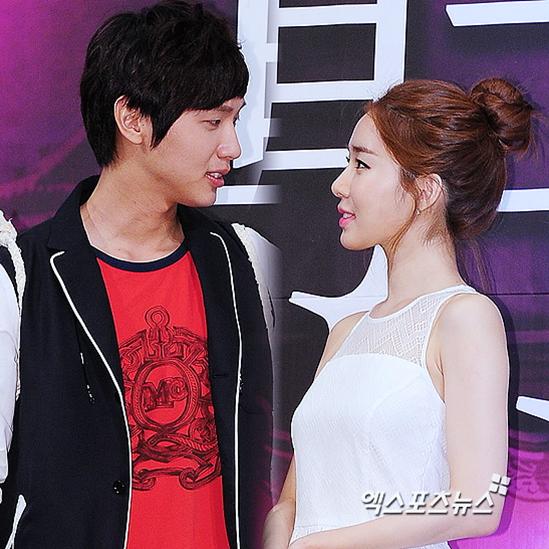 parece que las parejas de famosos en corea del sur se han puesto de