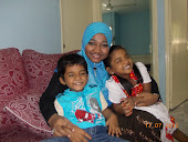my fabulous sister with her kidz