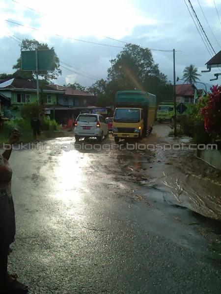 foto banjir padang panjang januari 2014