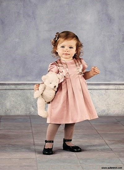 Bébé fille en style