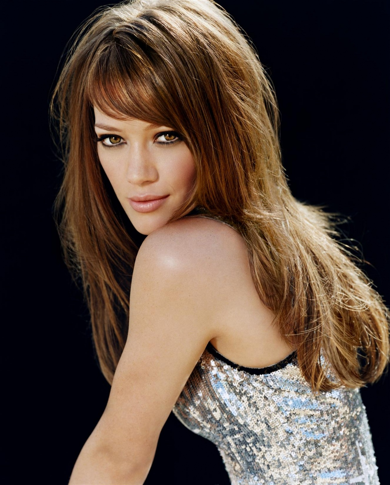 Hilary Duff Hollywood Actress Latest Wallpapers ~ The Aj ...