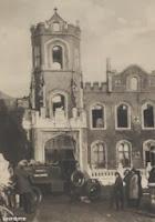 Sfeerbeeld van de uitgebrande toren