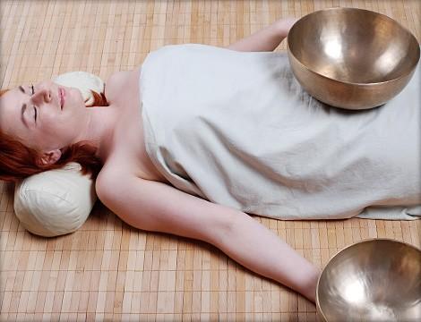 http://4.bp.blogspot.com/-TdPZsMLLBvE/TelNEdJZ5BI/AAAAAAAAA0Y/7uHj3QwnlYE/s1600/01_masaje_cuencos_tibetanos_mabruck.jpg