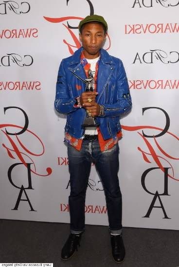 Pharrell Williams accepted the Fashion Icon Award