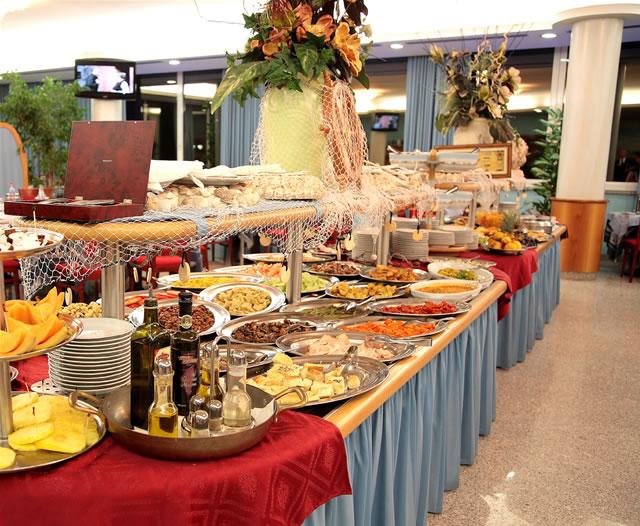 SASSI pizza e cucina: Speciale buffet pranzo veloce