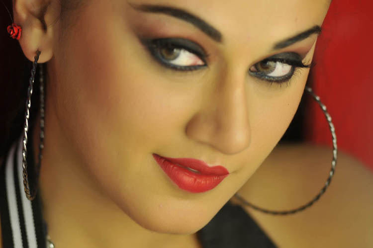 Tapsee Panu Spicy Photo Gallery