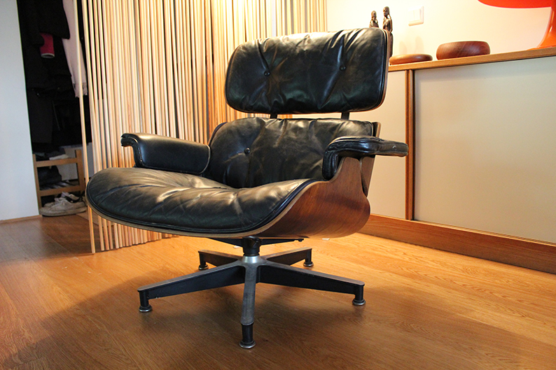 Eames lounge chair fixing image for Copie chaise vitra