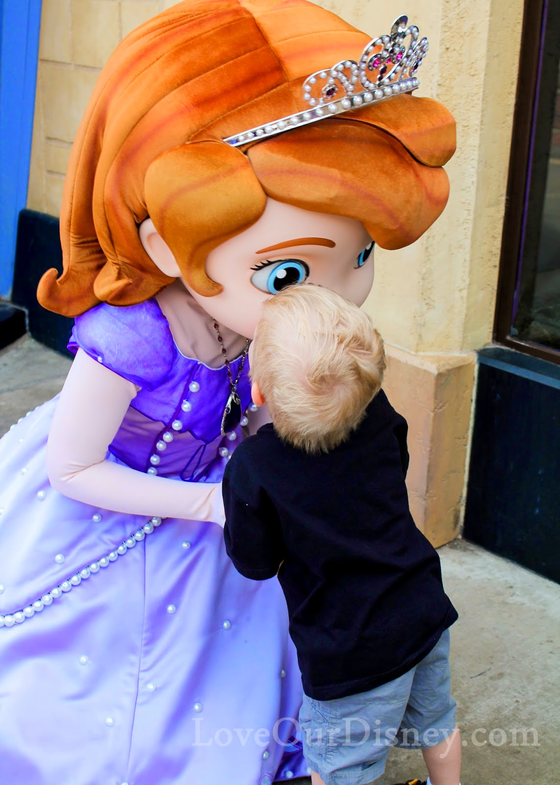 How to find those hard to find Disneyland characters during your vacation. LoveOurDisney.com