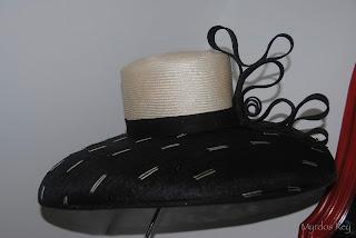 pamela-evento-boda-asun-duran-sombrero