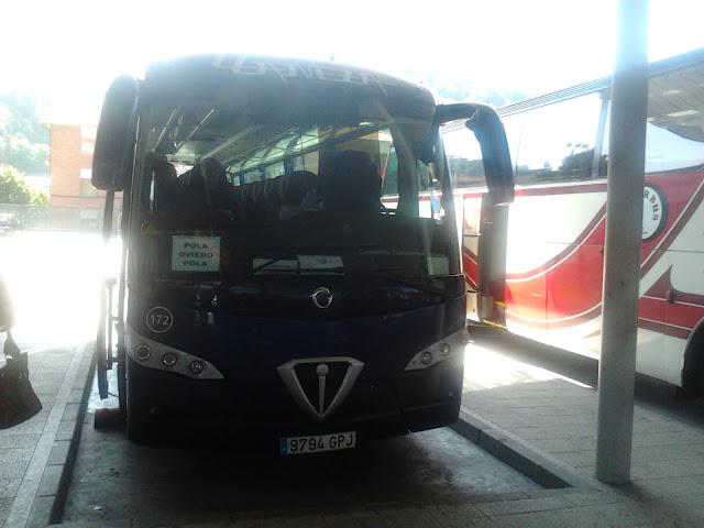 Autobuses de asturias pullmans llaneza ya opera con sus for Camiones usados en asturias