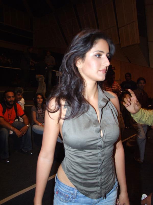 katrina kaif hot scene in boom