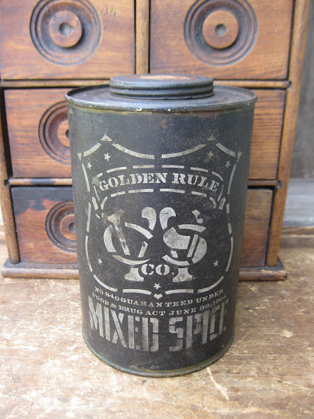 1906 Spice Tin