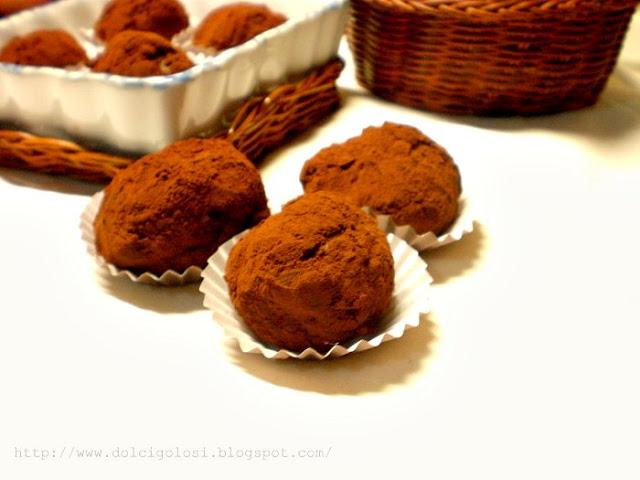 Dolcigolosità-tartufi al cioccolato panettone