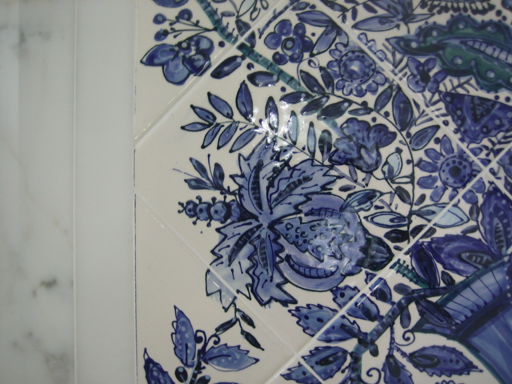 Painting it blue tile mural delft style for Delft tile mural