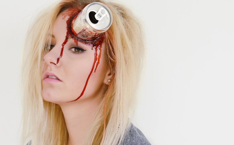 Halloween_Make_Up_Verletzung_Dose_Im_Kopf