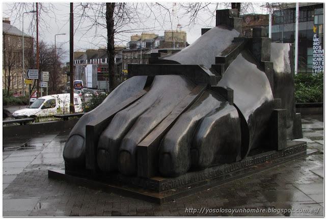 Escultura de Eduardo Paolozzi