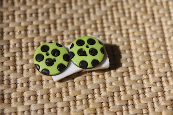 Retro black and lime green large buttons