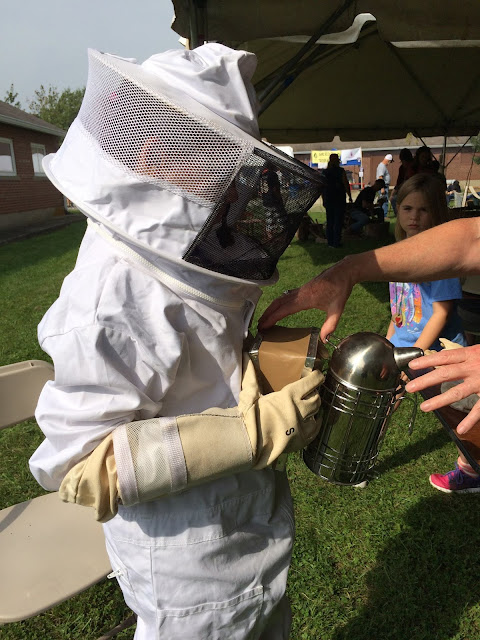 Learn how to keep bees: Bee Keeping for kids.