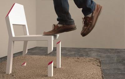 Cut Chair Side View with foot 600x382 تصميم جديد لكرسي رائع ، تخيل أن تجلس على كرسي بثلاثة أرجل مكسورة !