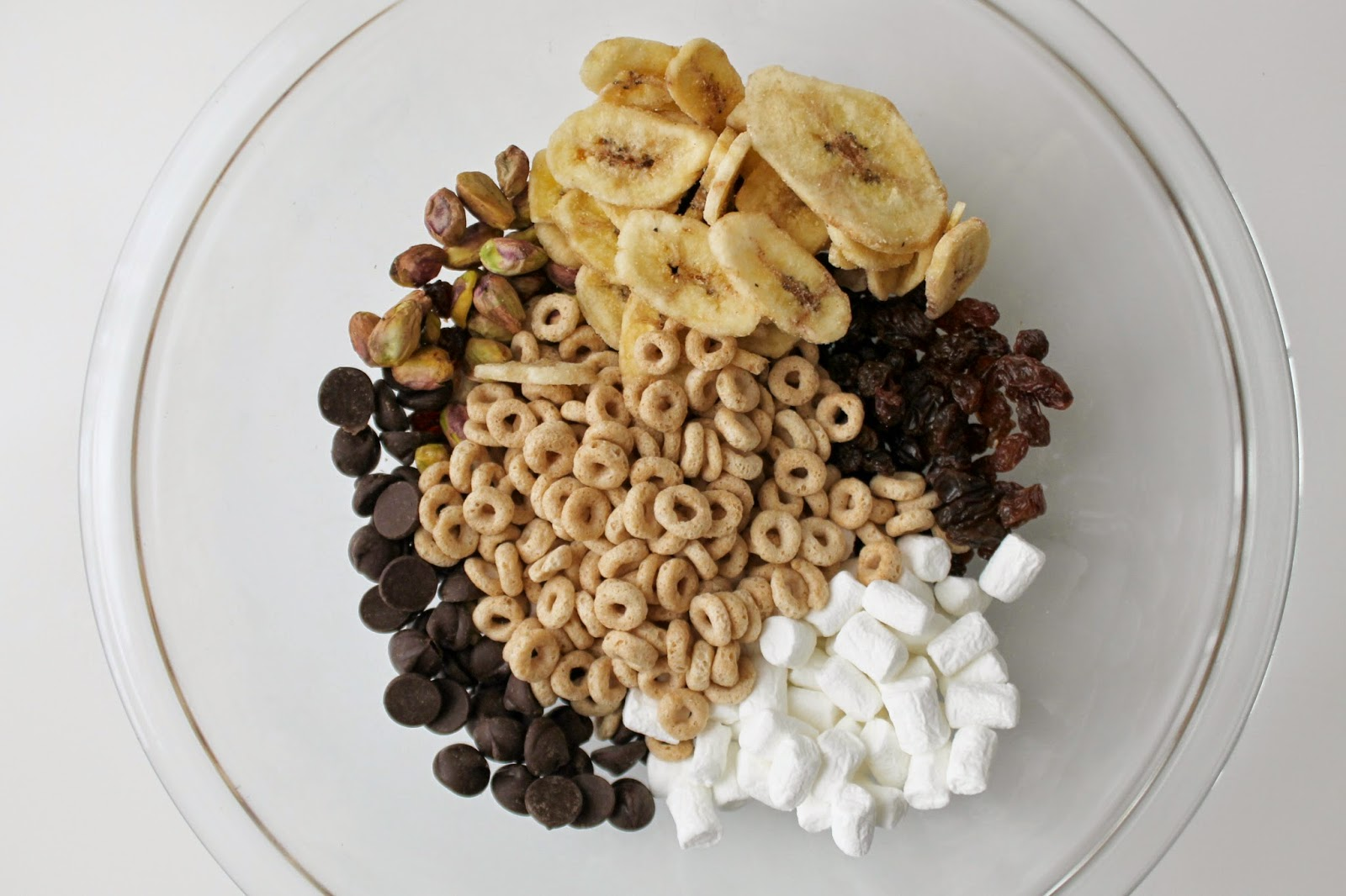 Simple Toddler Trail Mix recipe | bubbles and gold