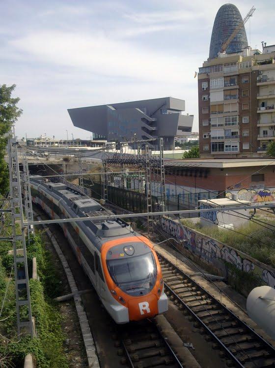 Tren, torre, martillo (Barcelona)