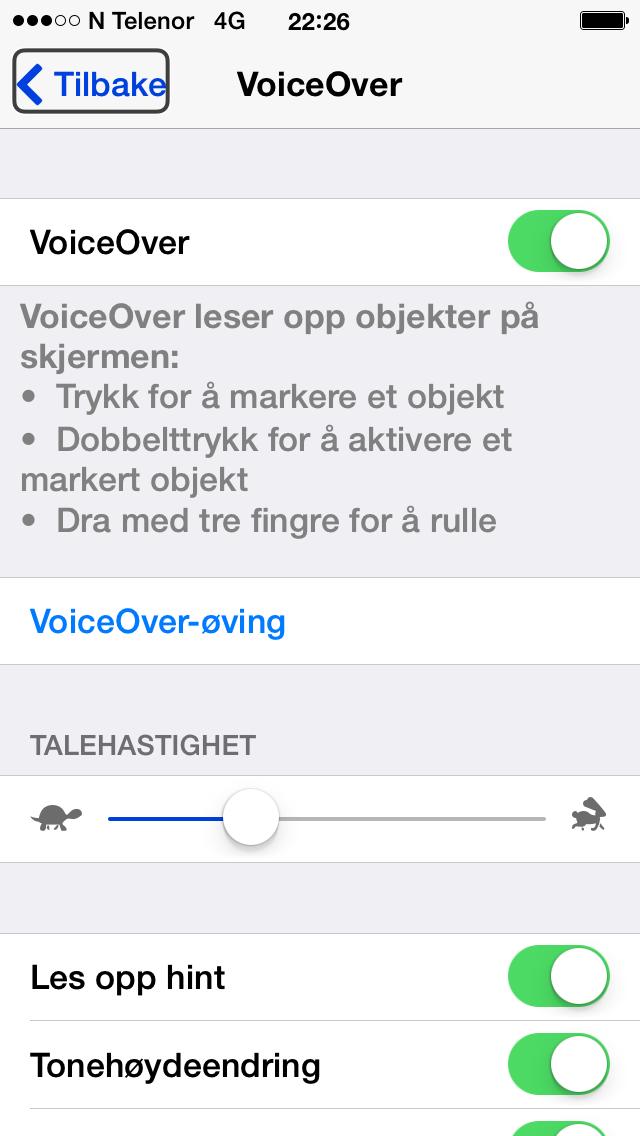 Skjermdump av hvordan VoiceOver skrus på med iPhone.