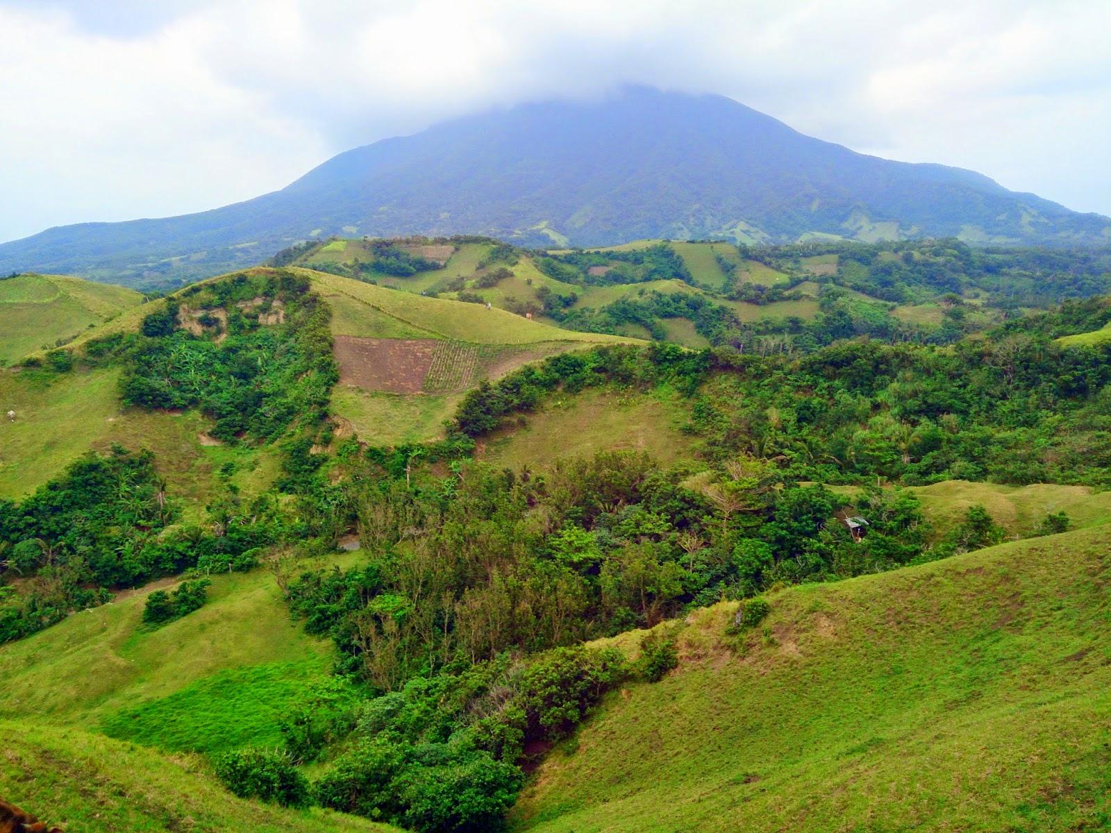 Vayang Rolling Hills, North Batan, Batanes