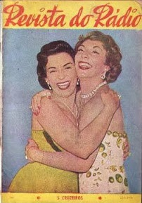 Emilinha (à esquerda) e Marlene na capa da Revista do Rádio