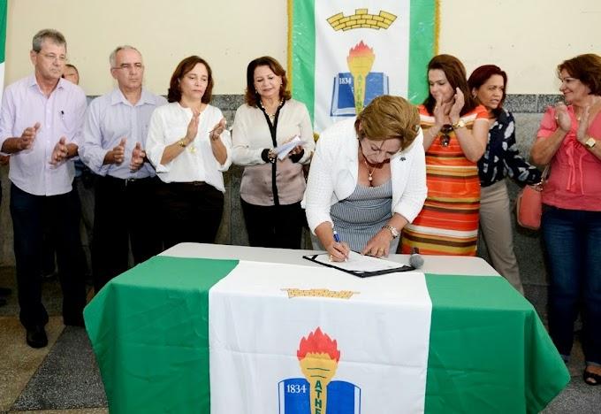 Natal: Rosalba Ciarlini assina ordem de serviço para obras no Atheneu