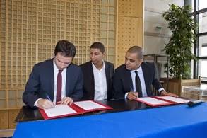 Signature d'une convention pour l'emploi des jeunes