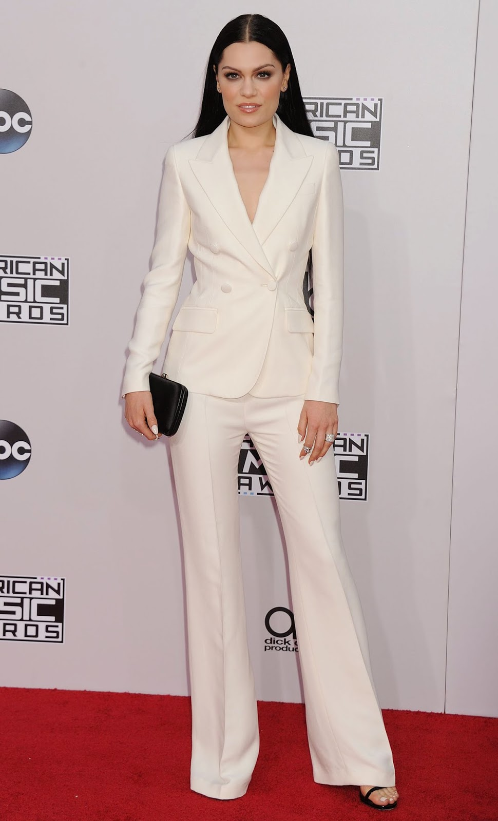 Jessie J - 2014 American Music Awards - Red Carpet