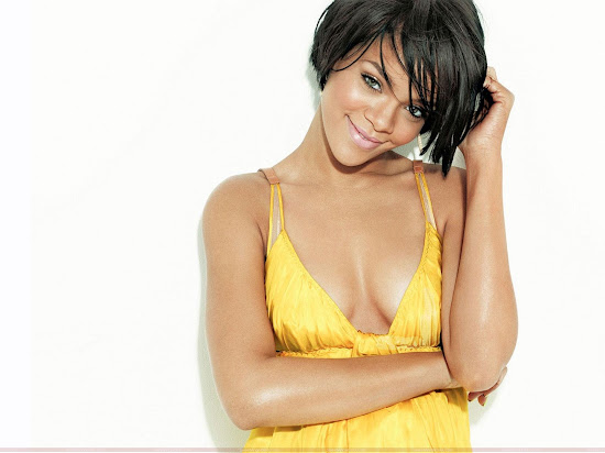 rihanna_hot_picture_Fun_Hungama