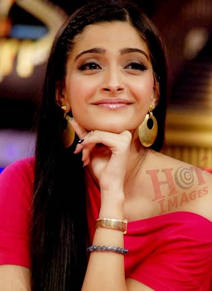 Cute Sonam Kapoor