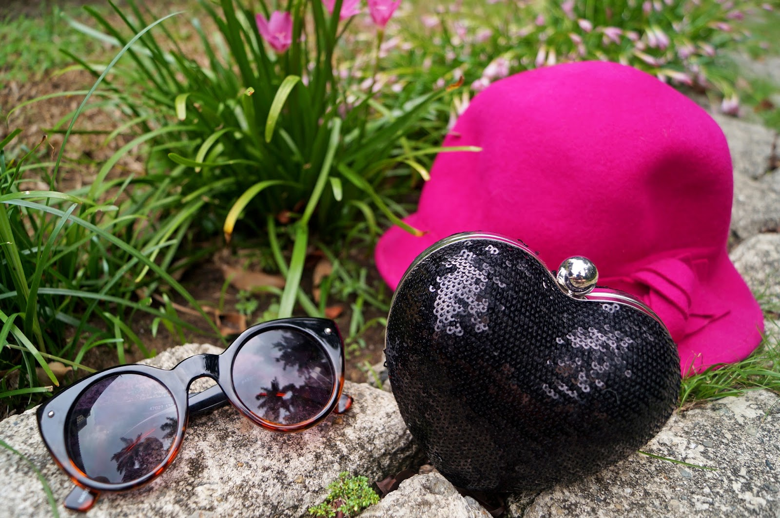 Heart Clutch, Forever 21 Clutch, Forever 21 Sunglasses