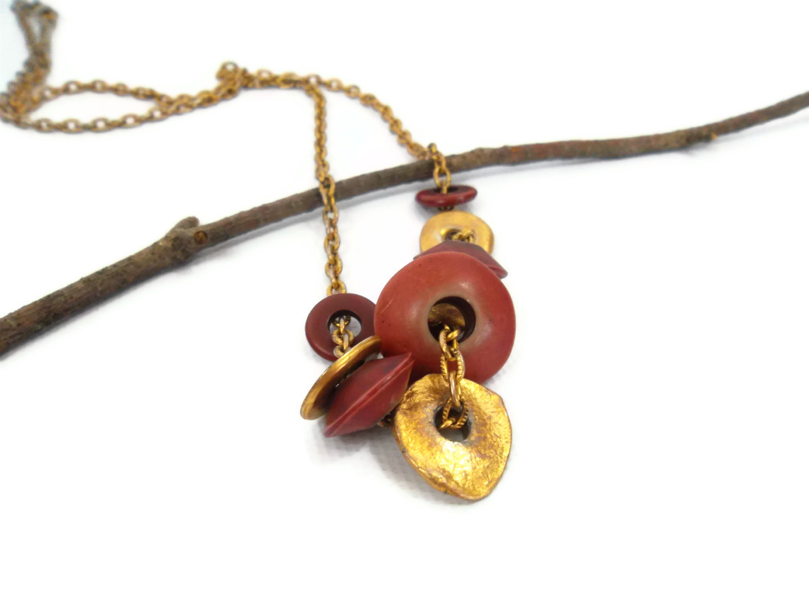 gold and maroon drape vintage necklace