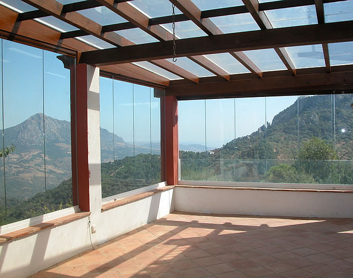 Cerramientos para terrazas o porches cerramientos a - Cristaleras plegables ...