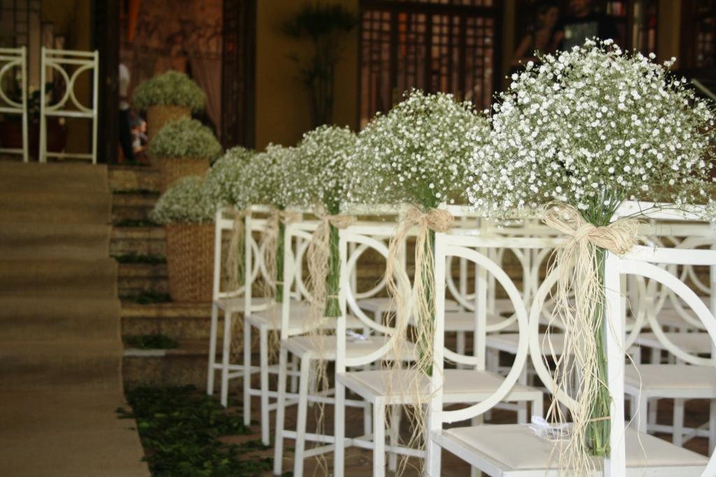 Fotos de arranjos de mesa para casamento simples 46