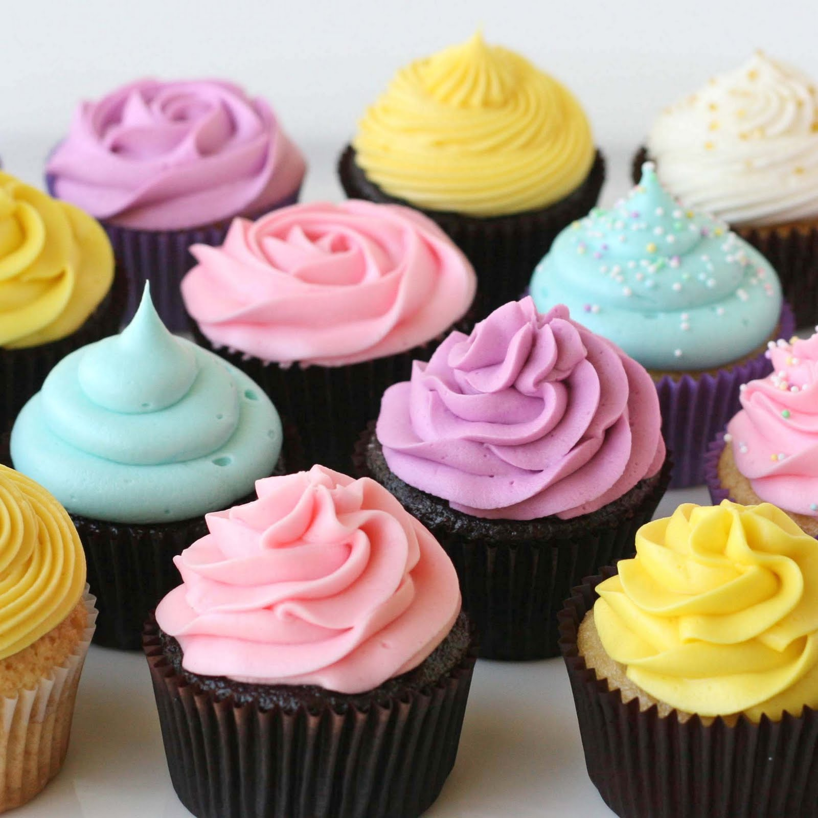 Cupcake Decorating Ideas Simple : Glorious Treats: Cupcake decorating