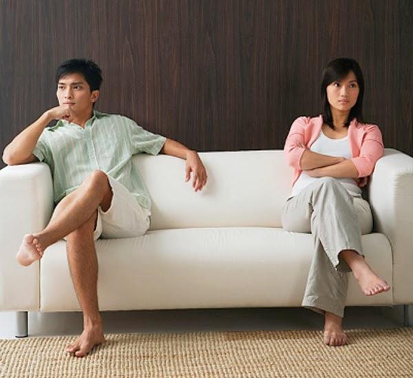 Chồng bốc mùi, vợ bất lực