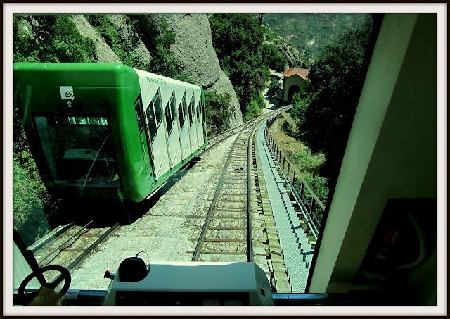 funicular santa cova cremallera tren montserrat monasterio