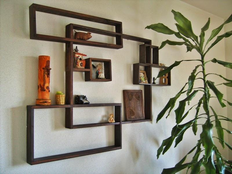 estanteras de madera que dinamizan el ambiente
