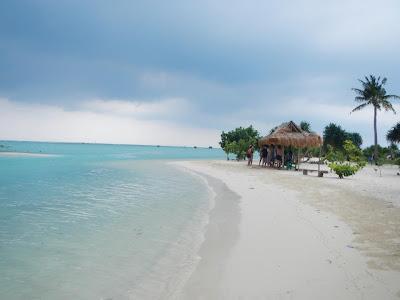 http://4.bp.blogspot.com/-Th3Uao_feqo/UQp5waQ-mgI/AAAAAAAAAN0/d8qN6x6Nahw/s1600/Pulaupari-indonesia.jpg
